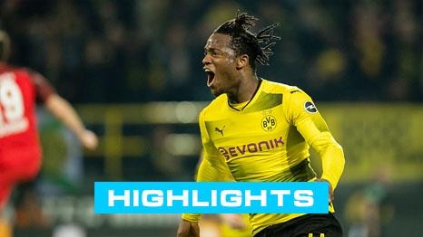 Dortmund 3-2 Frankfurt: Batshuayi toa sang phut bu gio hinh anh