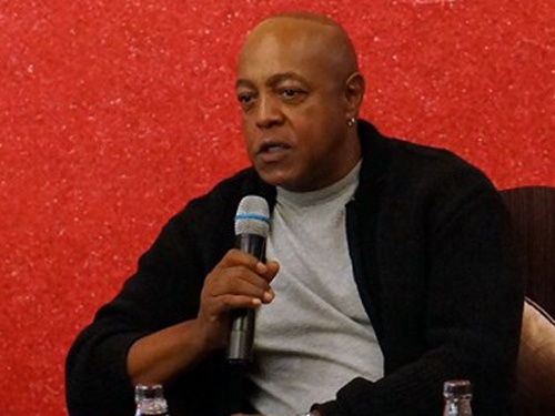 Peabo Bryson duy tri che do an uong chat che vi vo dep hinh anh