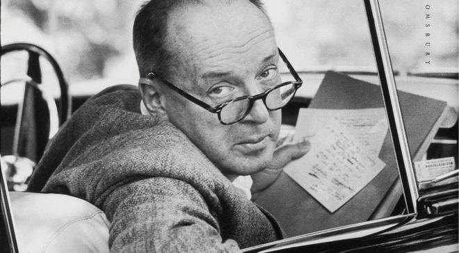 'Dau hieu va bieu hieu' cua Nabokov hinh anh