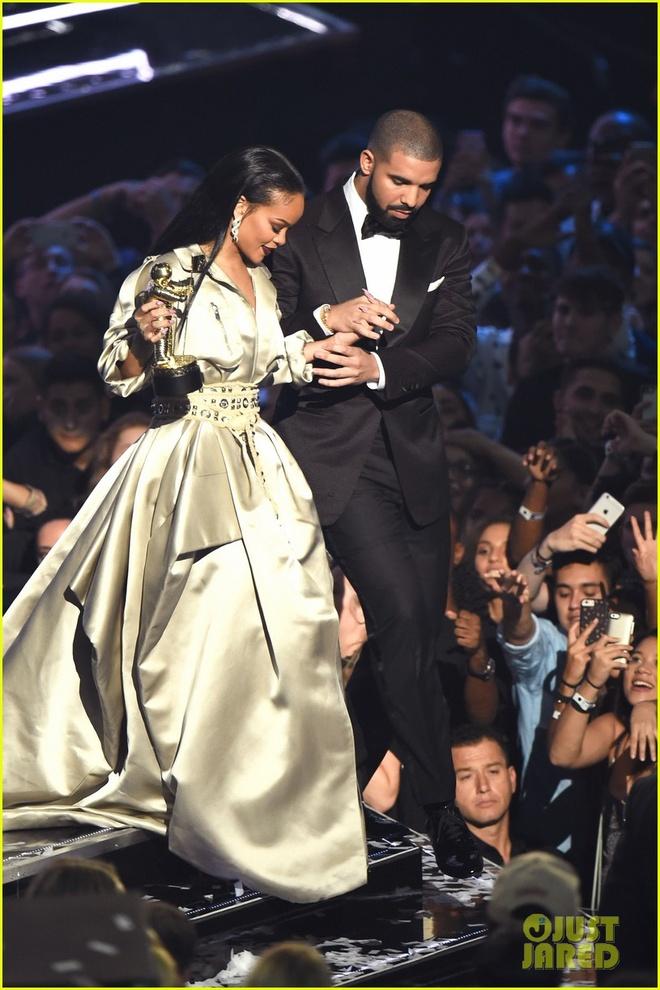 Drake va tinh yeu voi Rihanna tu nam 22 tuoi hinh anh 2
