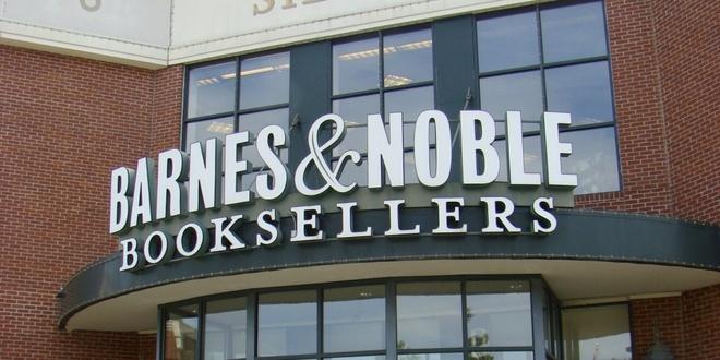 Barnes & Noble ban sach co chu ky trong ngay Black Friday hinh anh 1