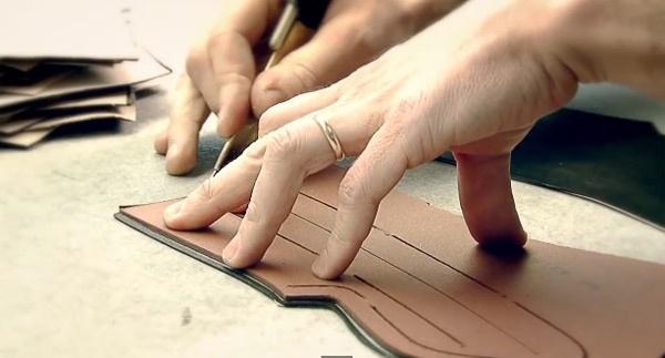 Can canh cong doan lam giay nghin do cua Louis Vuitton hinh anh 2