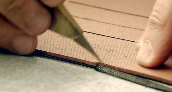 Can canh cong doan lam giay nghin do cua Louis Vuitton hinh anh 3