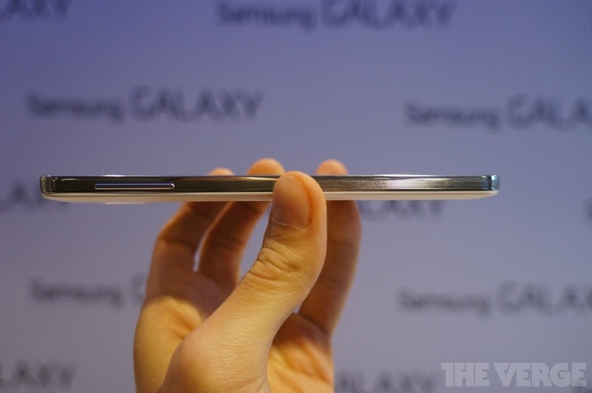 Samsung ra Galaxy Note 3 man hinh 5,7 inch, mat da phia sau hinh anh 2