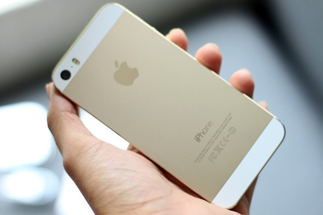 FPT giam gia iPhone 5S mau vang dong hinh anh
