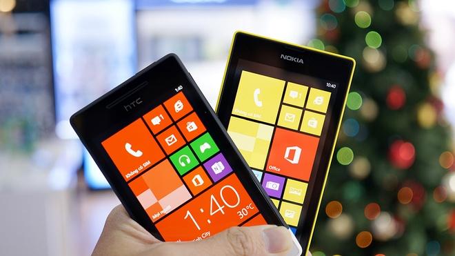 So sanh HTC 8S gia 3,3 trieu va Nokia Lumia 520 hinh anh