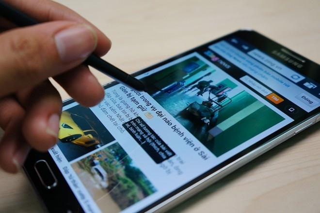 Nhung smartphone duoc yeu thich nhat nam 2013 hinh anh 10