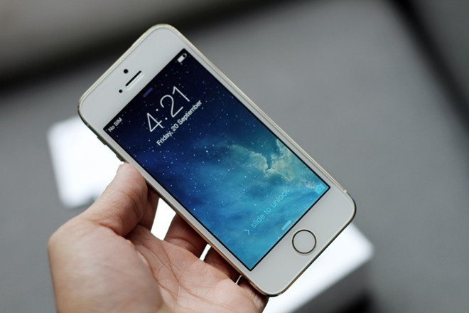 Nhung smartphone duoc yeu thich nhat nam 2013 hinh anh 1