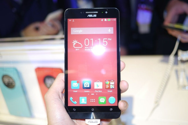 Smartphone 99 USD cua Asus ve VN thang 3, gia tot hinh anh