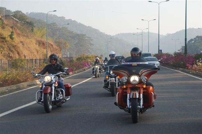 Khi nguoi Ha Noi choi Harley Davidson hinh anh