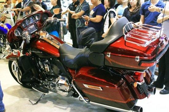 Harley-Davidson CVO chinh hang gia gan 2 ty dong hinh anh