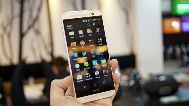 Mo hop HTC One M8 gia 16,8 trieu dong vua len ke hinh anh