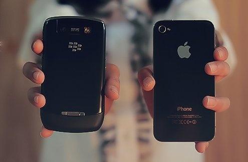 iPhone va BlackBerry hang dung tran ngap thi truong VN hinh anh