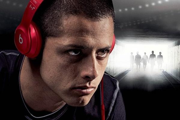 Nhung cau thu deo tai nghe Beats bi cam tai World Cup 2014 hinh anh 5