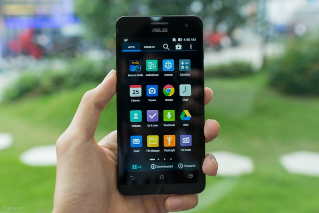 Smartphone gia re cua Asus duoc yeu thich hon iPhone 5S hinh anh