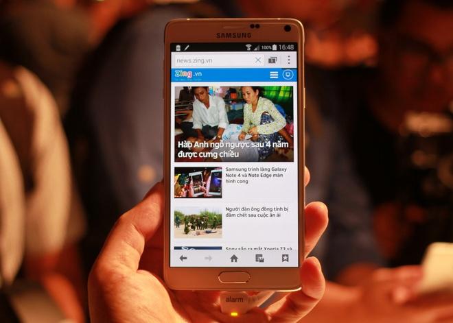 Anh thuc te Samsung Galaxy Note 4 vua ra mat hinh anh