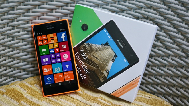 Mo hop Lumia 730 chuyen chup tu suong gia tot sap ban tai VN hinh anh