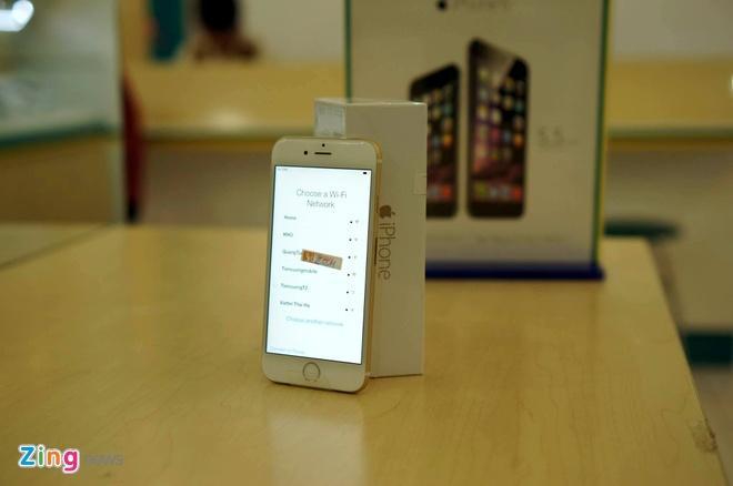 iPhone 6 co mat tai cua hang cua nha mang, san sang ban ra hinh anh 6