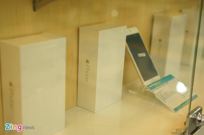 iPhone 6 co mat tai cua hang cua nha mang, san sang ban ra hinh anh 4