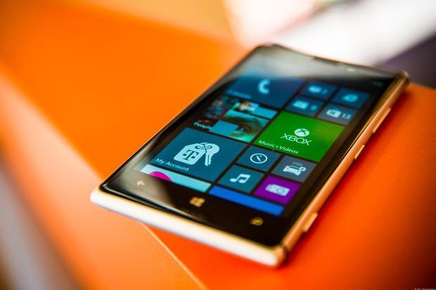 Lumia 925 va LG G Pro 2 ha gia soc hang trieu dong hinh anh