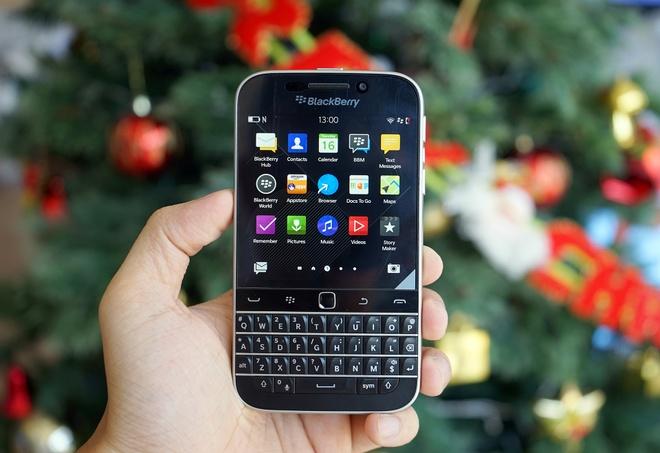 Anh thuc te BlackBerry Classic vua co mat tai Viet Nam hinh anh