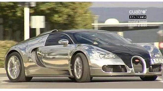 Nam 2014, cac sieu sao bong da tau xe gi? hinh anh 1 Chiếc Bugatti Veyron mới tinh của Benzema.