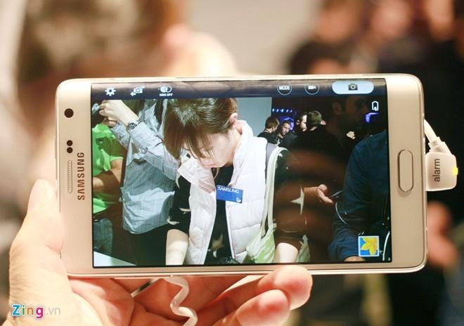 Galaxy Note Edge chinh hang ban tai Viet Nam trong thang 2 hinh anh