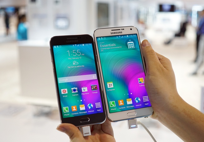 Anh Galaxy E5 va E7 ban sau Tet o VN, gia tu 5,5 trieu hinh anh