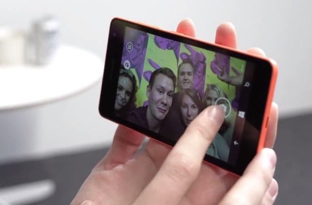 Dai ly giam gia Lumia 535 va Lumia 730 mot trieu dong hinh anh