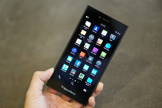 Mo hop BlackBerry Leap thiet ke dep gia 6,5 trieu dong hinh anh