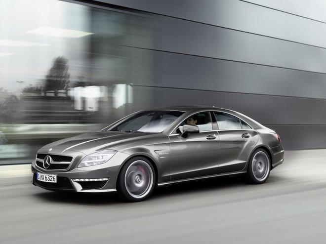 Mercedes-Benz trieu hoi tren 1.000 xe tai Viet Nam hinh anh