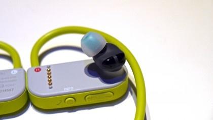 Tai nghe chay bo Sony va may PS4 ban chinh hang o VN hinh anh