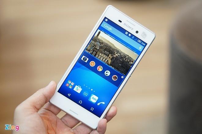 4 smartphone tam trung hap dan vua ve Viet Nam hinh anh