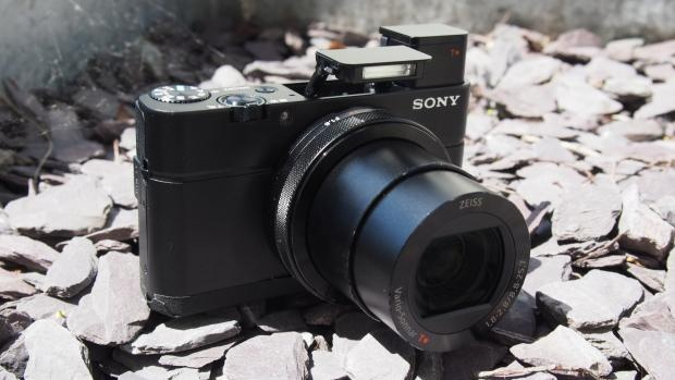 May anh compact Sony RX100 IV gia 23 trieu tai Viet Nam hinh anh