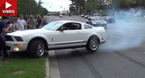 Ford Mustang gay tai nan vi man drift xe tai hai hinh anh 1