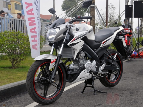 Honda, Yamaha loay hoay voi xe con tay co nho hinh anh