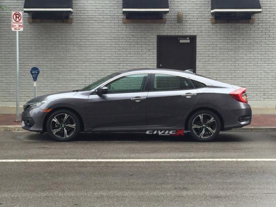 Honda Civic 2016 bat ngo dao pho hinh anh
