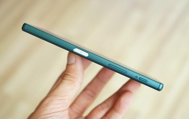 Mo hop Sony Xperia Z5 phien ban James Bond o Viet Nam hinh anh 3