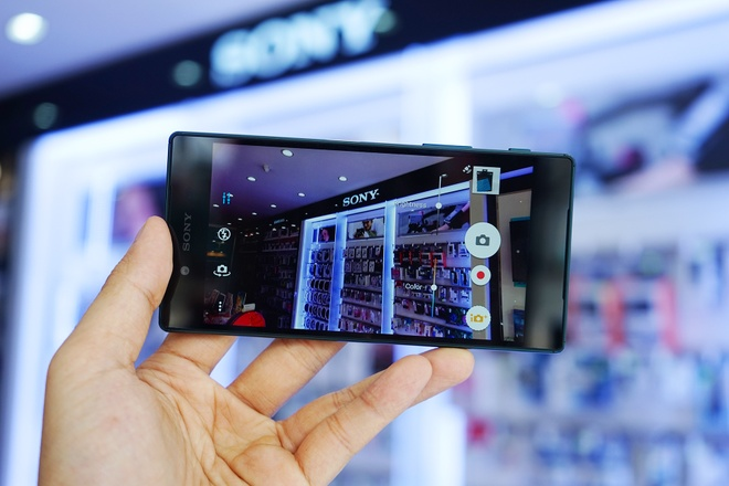 Mo hop Sony Xperia Z5 phien ban James Bond o Viet Nam hinh anh 8