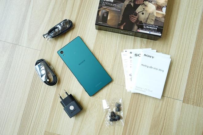 Mo hop Sony Xperia Z5 phien ban James Bond o Viet Nam hinh anh 1
