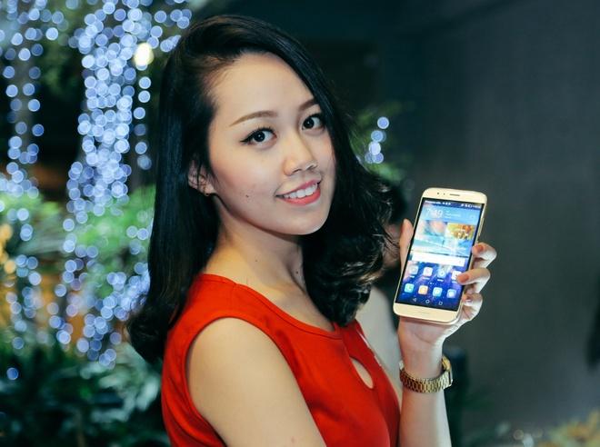 Huawei ra mat smartphone chuyen chup anh gia 8,9 trieu o VN hinh anh