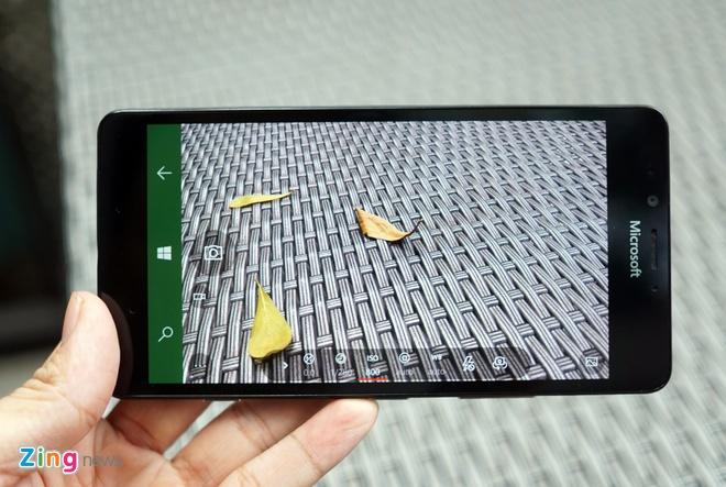 Can canh Microsoft Lumia 950 vua co mat tai Sai Gon hinh anh 10