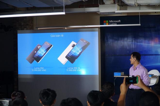 Lumia 950 va 950 XL ra mat tai VN, gia tu 13,9 trieu dong hinh anh 1 Microsoft lần đầu ra mắt hai mẫu Lumia cao cấp tại Việt Nam.