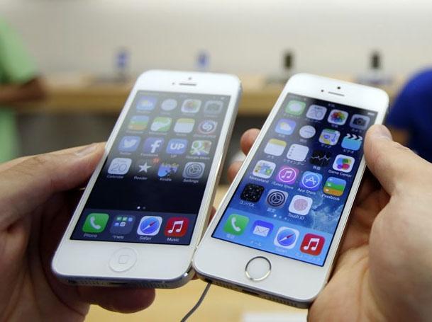 iPhone 5S ban chay dip Tet, Lumia bi lang quen hinh anh