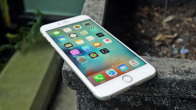iPhone 6S chinh hang giam gia hang trieu dong dau nam hinh anh