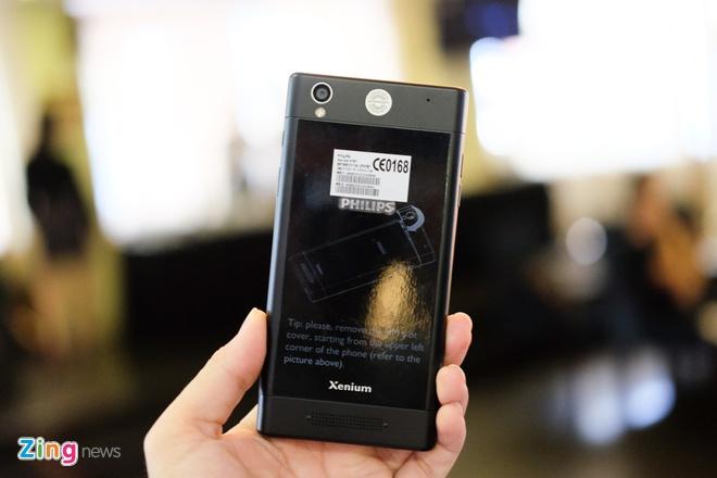 Philips gioi thieu 2 smartphone man hinh bao ve mat o VN hinh anh 9