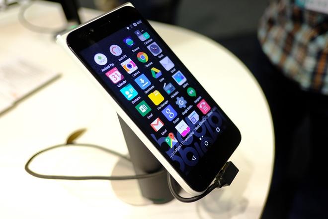 Loat smartphone moi ban tai Viet Nam trong thang 4 hinh anh