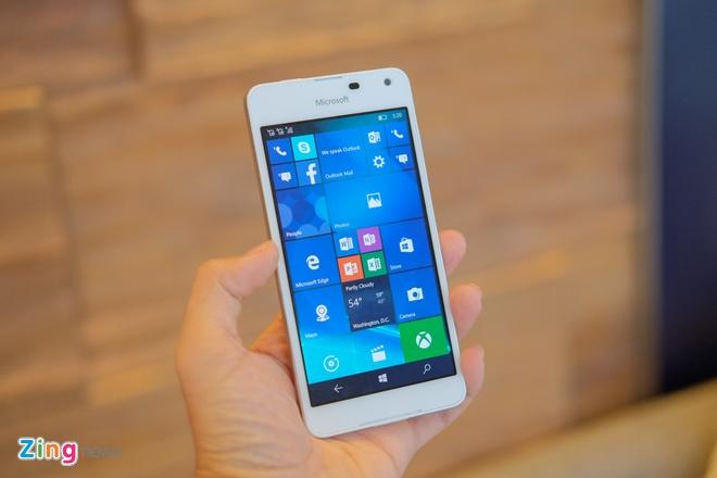 Mo hop Lumia 650 vo nhom, than mong gia 3,9 trieu o VN hinh anh 3