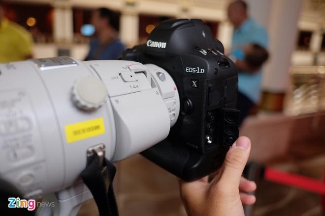 Canon EOS-1D X Mark II ra mat o Viet Nam hinh anh 2