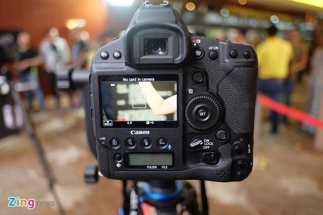 Canon EOS-1D X Mark II ra mat o Viet Nam hinh anh